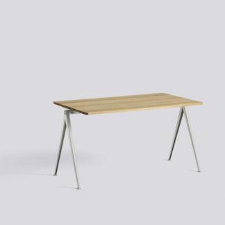 Pyramid Table 01Pyramid Table 01 - bureau - topblad eik mat, structuur beige