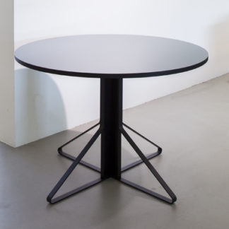 Kaari REB004Kaari REB004 ronde tafel