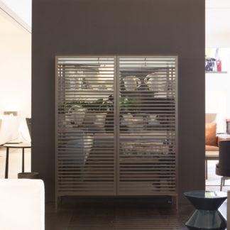 AlambraAlambra - barkast met verlichting, deuren, zijkanten en legplanken in transparant glas grigio, aluminium basis (bruin), deuren met cross pieces brown